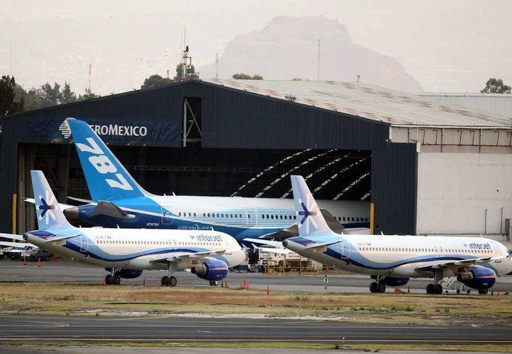Se contemplan trabajos de ampleación y construcción en diferentes aeropuertos del país. (Archivo/Notimex)