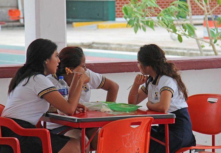 A partir del lunes se aplicará el aumento en las escuelas. (Jesús Tijerina/SIPSE)