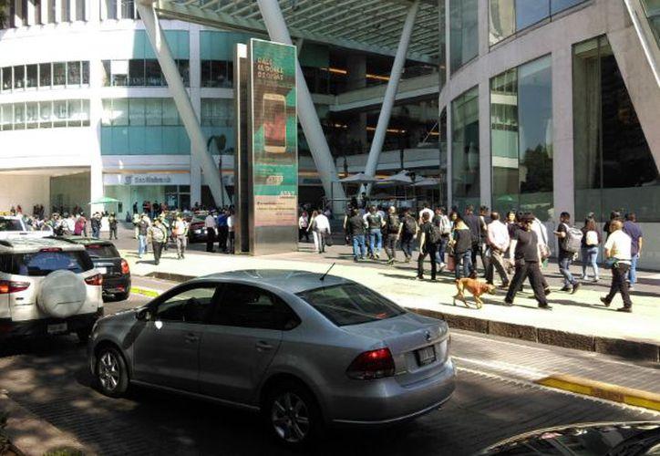 Balacera en plaza reforma 222 por asalto a nine west for Hoteles por reforma 222