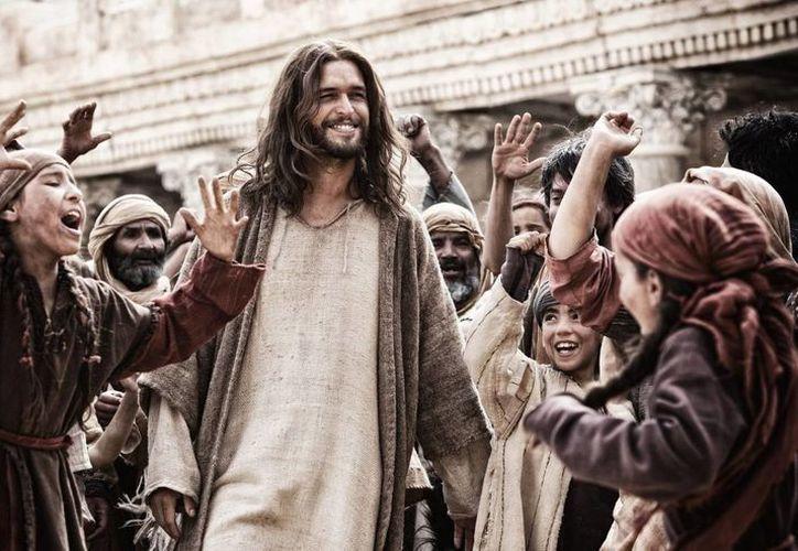"""""""Hijo de Dios"""" es una representación épica de la vida de Jesús, desde sus orígenes, enseñanzas, ejemplo de vida y milagros, hasta su crucifixión, muerte y resurrección. (Agencias)"""