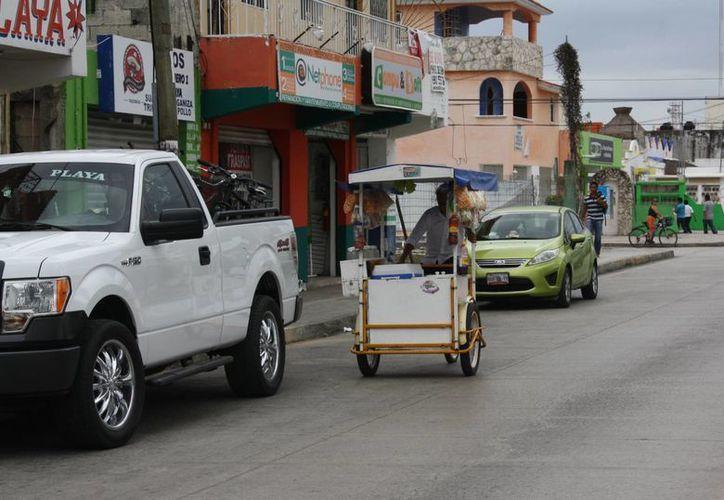 Entregar permisos a ambulantes va en contra del nuevo reglamento de la zona turística. (Alida Martínez/SIPSE)