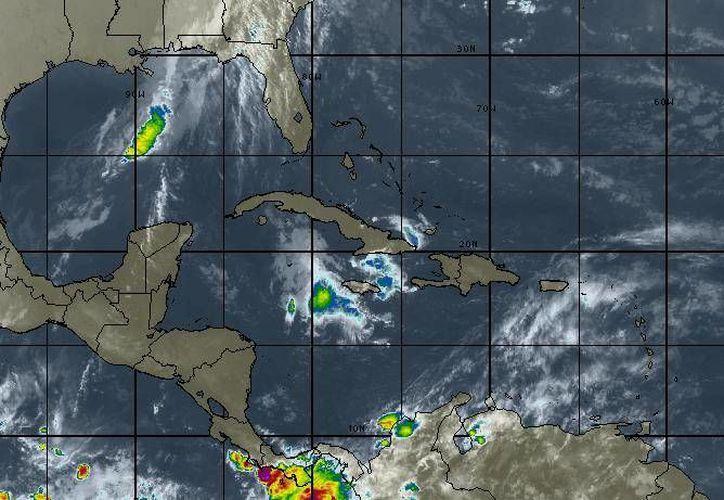 El pronóstico indica que habrá cielo nublado, lluvias con chubascos dispersos, y viento fresco. (Intellicast)