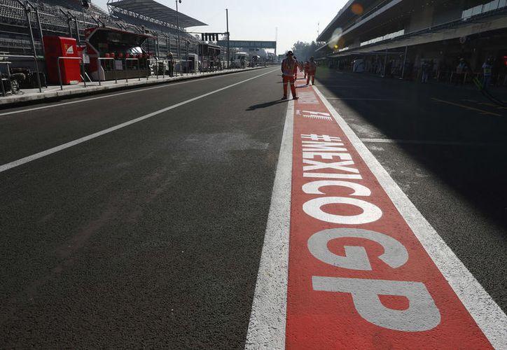 El Autódromo Hermanos Rodríguez recibe por tercera ocasión a la F1 desde su regreso en 2015. (Foto: AP)
