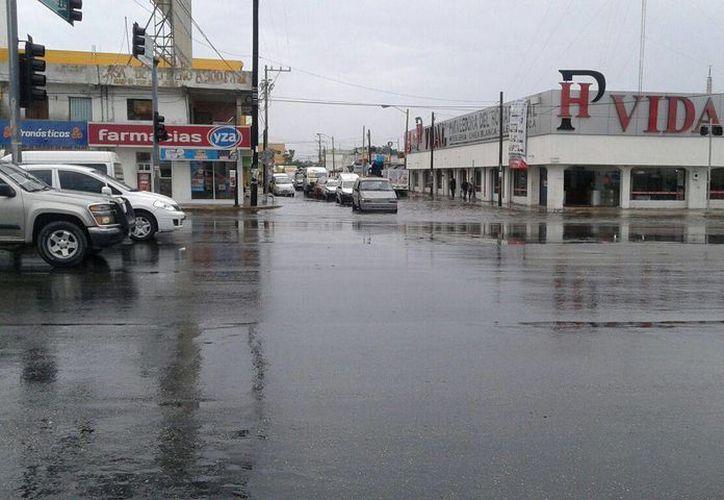 No se registró alguna inundación en las calles, sólo encharcamientos ocasionados por la lluvia. (Redacción/SIPSE)