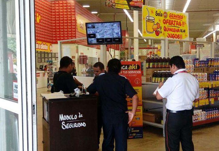 El negocio, se localiza en la Supermanzana 222 entre las avenidas Chac Mool y 20 de Noviembre. (Eric Galindo/SIPSE)