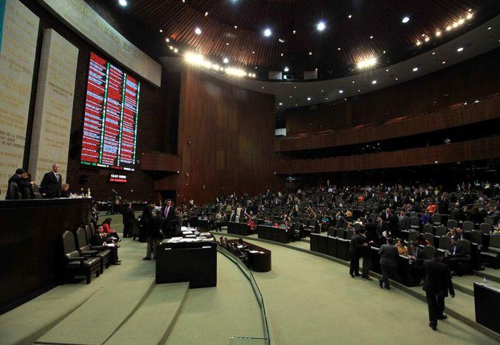 Los diputados recibieron aguinaldo de 13 días, es decir, 46 mil pesos. (Agencia Reforma)