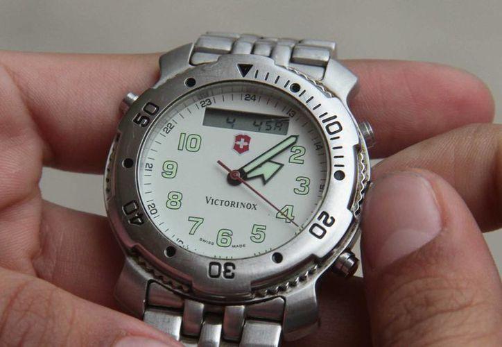 La Sener recomienda a los habitantes de la frontera norte adelantar sus relojes antes de dormir, el sábado 7 de marzo. (Archivo/Notimex)