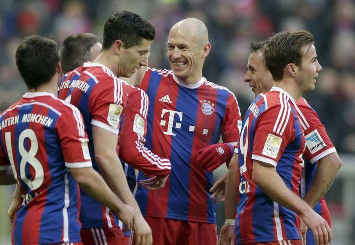 Robben, Müller y Goetze hicieron par de tantos cada uno. (Foto: AP)