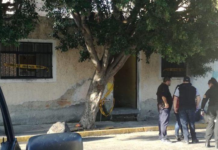 De acuerdo con un testigo, la casa era rentada por una familia. (Internet)