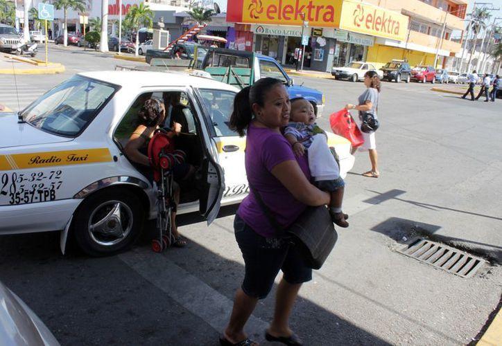 Se recibieron al menos 70 quejas de los usuarios del servicio de transporte público. (Francisco Sansores/SIPSE)