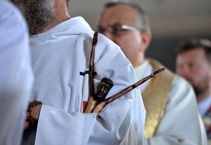 Al menos seis sacerdotes mexicanos asistirán al Congreso de la Asociación Internacional de Exorcistas, en Roma. (Notimex/archivo)