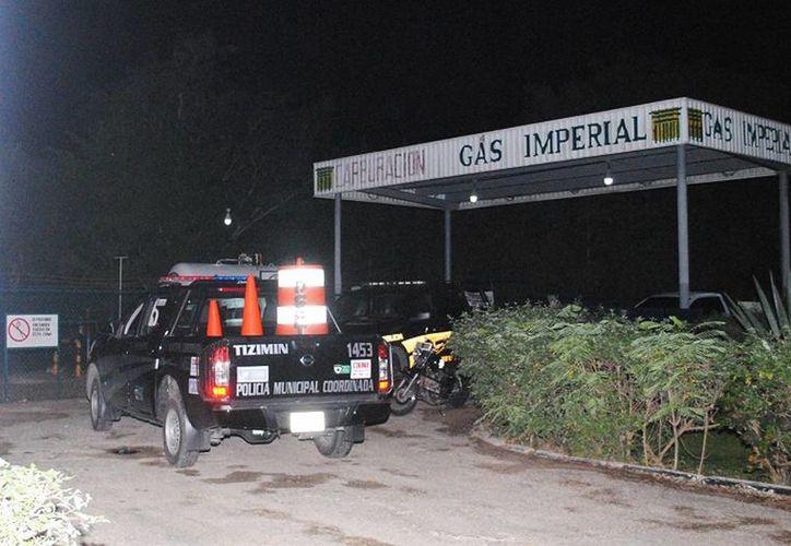 Supuestos ladrones sometieron a empleados de una bodega de Gas Imperial en Tizimín y forzaron la caja fuerte con un cincel. (Milenio Novedades)
