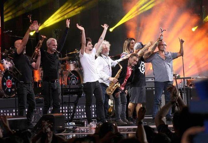 Los Fabulosos Cadillacs se encargaron de abrir las actividades de la edición 58 del Festival de Música de Viña del Mar, el pasado lunes.(Notimex)