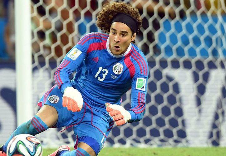 La selección mexicana catapultó a Guillermo Ochoa a jugar con Málaga, pero en este equipo ha tenido escasas oportunidades de mostrarse. Una de ellas fue esta tarde. (soccerspill.com/Foto de archivo)