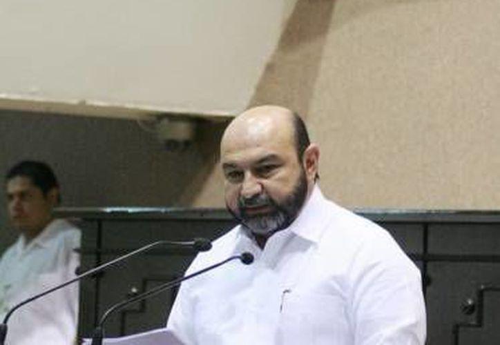El diputado Luis Hevia Jiménez inauguró el foro sobre transparencia. (SIPSE/Archivo)