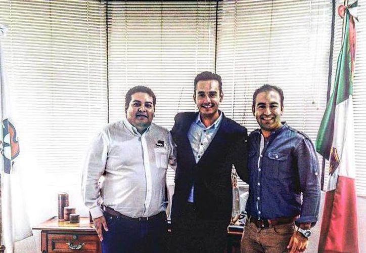 Imagen de los administradores de la página  Conexión Canacintra, que forma parte del programa Canacintra Digital. (Milenio Novedades)