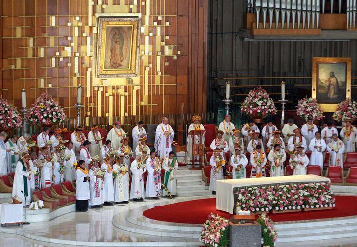 El Papa visitará la Basílica de la Virgen de Guadalupe el próximo sábado 13 de febrero durante su gira papal por México. Imagen del interior de la basílica en la capital del país. (Archivo/Notimex)