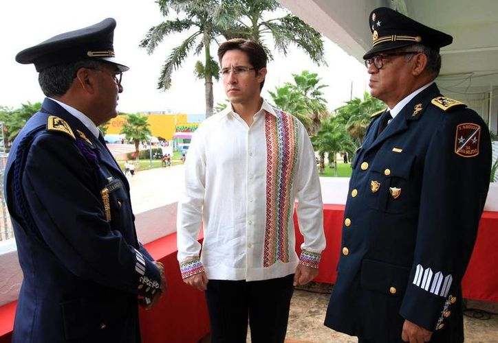 El alcalde se reunión los titulares de las instituciones de seguridad. (Cortesía/SIPSE)