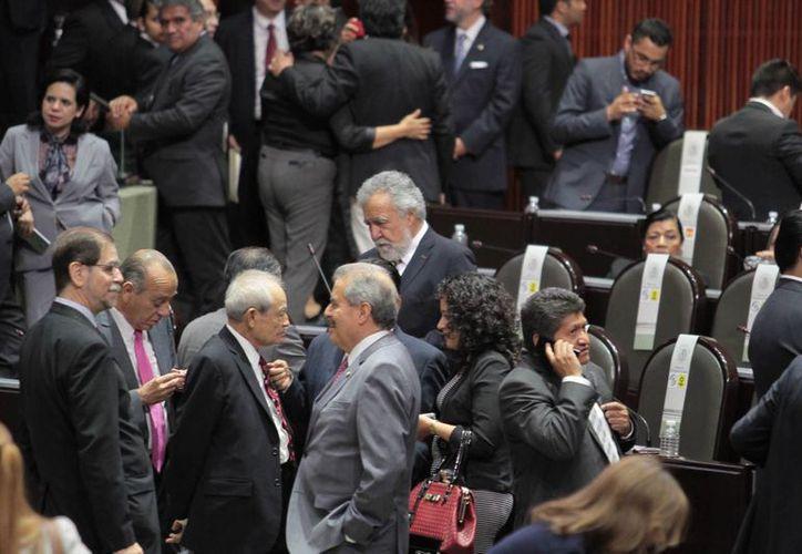 Los excesos de gasto del Legislativo derivan en la caída de la credibilidad de los ciudadanos, así lo aseguró la senadora Martha Tagle Martínez. (Imagen ilustrativa/ Notimex)