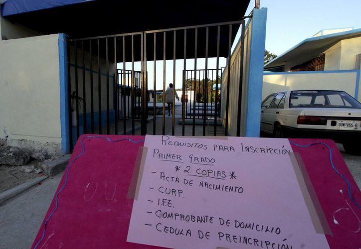 Requisitos que se piden para inscripción. (Francisco Gálvez/SIPSE)