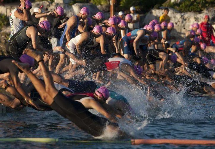 El triatlón coloca a la isla como un destino por excelencia para realizar eventos deportivos mundiales. (Redacción/SIPSE)