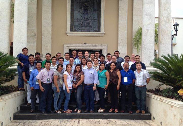 Participantes en el Diplomado en 'Humanismo y líderes indígenas'. (SIPSE)