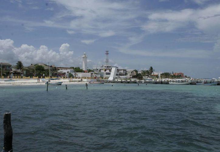 Puerto Morelos podría izar la bandera azul el próximo año. (Tomás Álvarez/SIPSE)