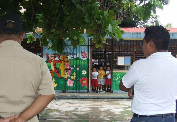Las autoridades supervisarán el estado en que se encuentran las escuelas. (Rossy López/SIPSE)