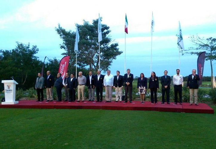 La ceremonia de apertura se realizó en el Yucatán Country Club, en el cual se contó con la participación de varios directivos y jugadores del torneo de golf.(Milenio Novedades)