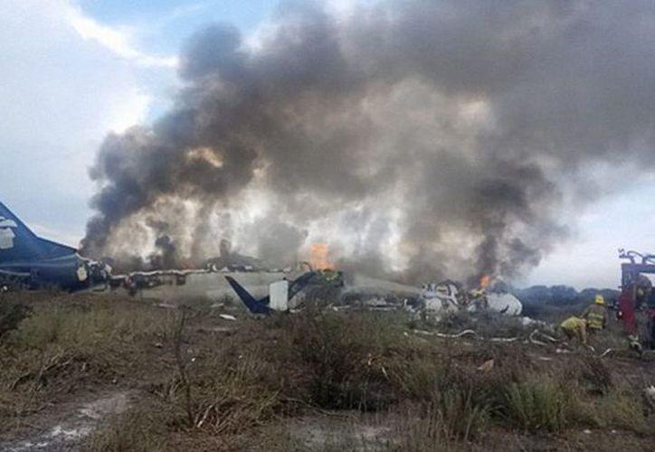 El vuelo 2431 de Aeroméxico, un Embraer-190, trasportaba 97 pasajeros y 4 tripulantes, tras el accidente no hubo fallecidos. (Animal Político)