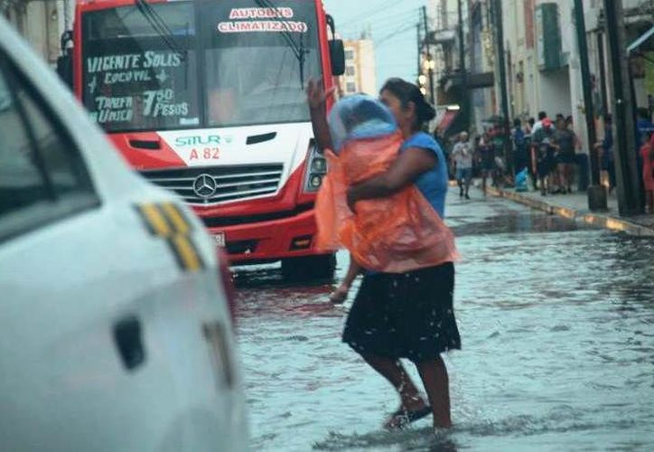 Se pronostica tormentas fuertes a puntualmente muy fuertes en el oriente y sur de Yucatán. (Jorge Acosta)