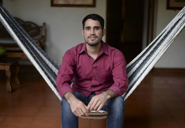 El nicaragüense Gabriel Serra, quien aspira a ganar el Oscar por mejor cortometraje documental por 'La Parka', filmada en México. (AP)