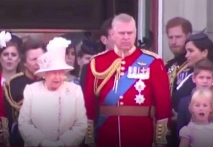 Una experta en lectura de labios descifró lo que el duque dijo a su esposa. (Captura de Youtube)
