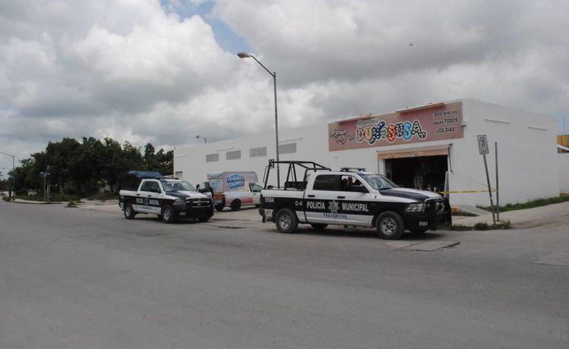 El asalto a la tienda fue en la Región 202, fraccionamiento Real Las Quintas. (Eric Galindo/SIPSE)