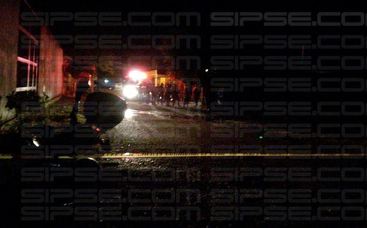 Dos personas fallecieron tras recibir disparos de arma de fuego en la Supermanzana 227 de Cancún. (Enrique Castro/SIPSE)