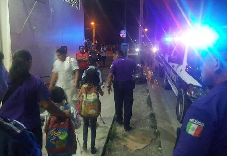 Los tres menores fueron llevados a su casa por los elementos policíacos. (Redacción/SIPSE)
