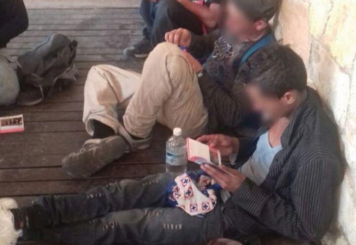 Los migrantes se encuentran en la comunidad del Encinal. (excelsior.com)