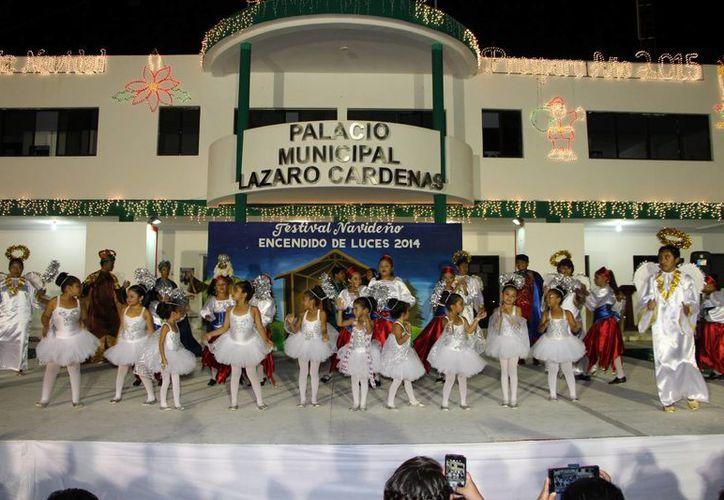 Escuela de danza presentó las veladas culturales. (Raúl Balam/SIPSE)