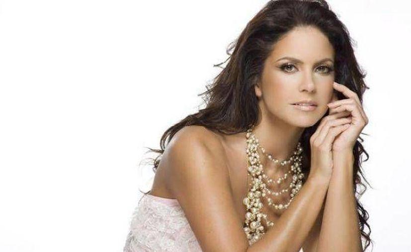 La cantante Lucero será el plato fuerte de las festividades del día de la Independencia. (Archivo SIPSE)