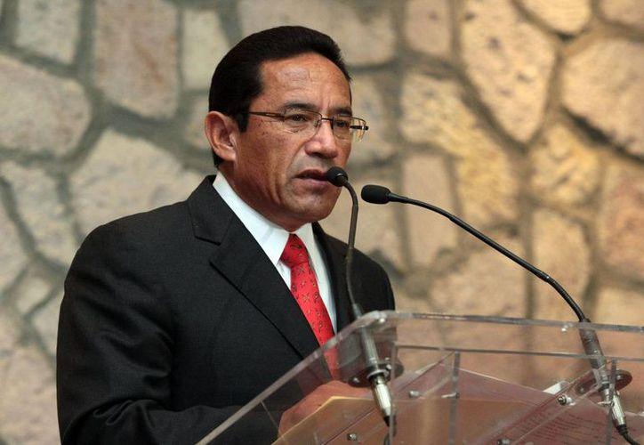 El general Alberto Reyes Vaca dijo estar dispuesto a que lo inspeccione el Ejército. (Milenio Novedades)