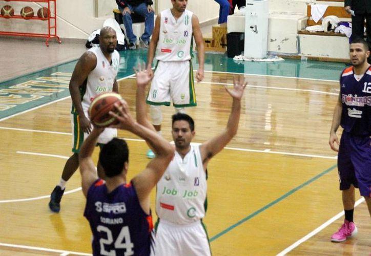 Pioneros de Q. Roo amenazan con arrebatar la cima de la Liga Nacional de Baloncesto. (Ángel Mazariego/SIPSE)