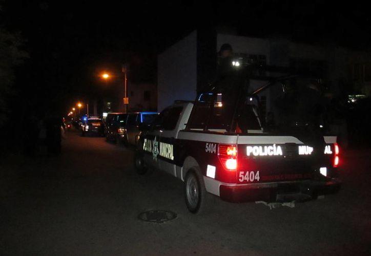 La Policía Municipal acudió al lugar de los hechos para realizar las investigaciones correspondientes. (Redacción/SIPSE)