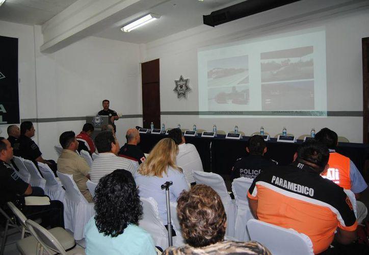 El inspector de la corporación federal dio una conferencia de prensa para anunciar el inicio del operativo. (Eric Galindo/SIPSE)