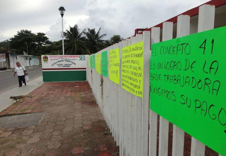 Escuelas permanecen cerradas por el paro laboral. (Harold Alcocer/SIPSE)