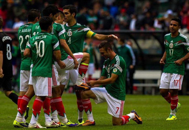 El Tri no ganó este año ningún torneo en los que participó, incluida la Copa Oro, sin embargo ascendió cuatro puestos en el ranking de la FIFA. (Notimex)