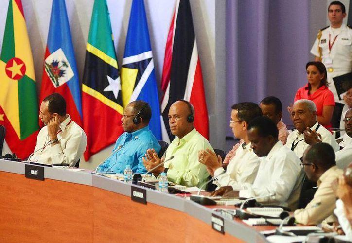 Imagen de los participantes en las cumbres en Mérida, Yucatán. (Milenio Novedades)