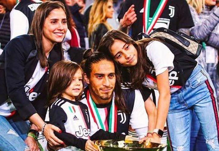 Cáceres tuvo una mediocre última temporada con la Juventus, que ya le busca acomodo (Fotos: Instagram)