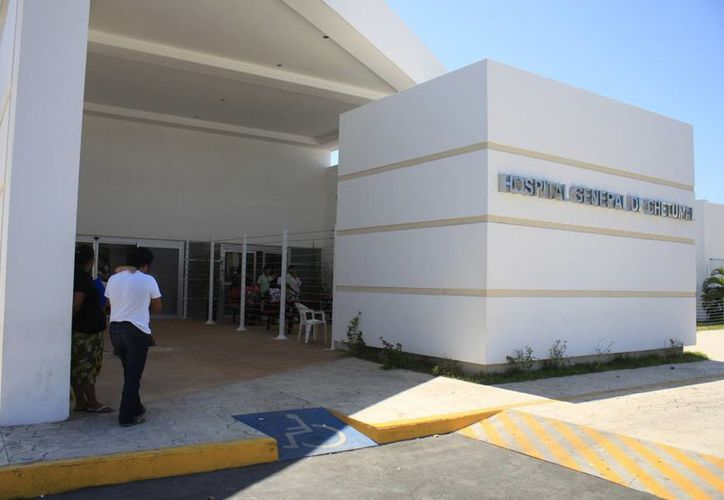 Se prevé realizar un proceso de certificación del personal de las Unidades de Especialidades Médicas (UNEMES) de Chetumal y Cancún. (Harold Alcocer/SIPSE)