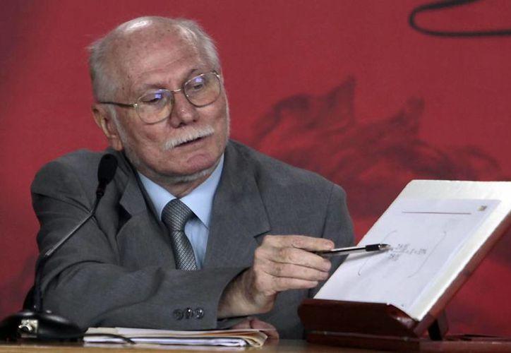 """El ministro de Planificación y Finanzas de Venezuela, Jorge Giordani, quien dijo que como """"objetivo específico"""" la devaluación apunta a """"la utilización de manera adecuada, racional y justa de las divisas"""". (EFE)"""