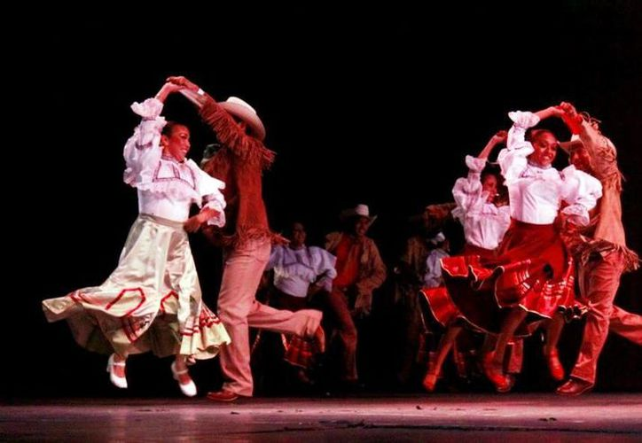 """Un atractivo repertorio dancístico se presentará hoy para el público en el Teatro """"Armando Manzanero"""". La entrada es gratuita. (Milenio Novedades)"""